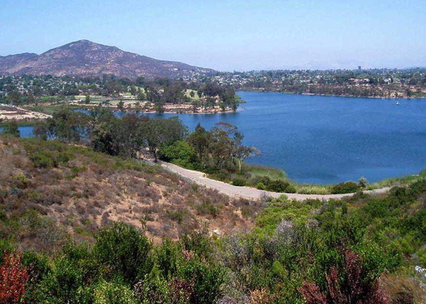 la mesa real estate lake